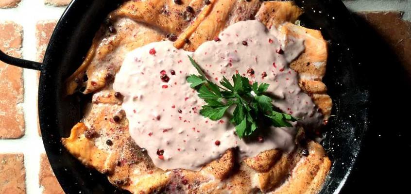 Saumon au poivre rose: Laks med rosépepper