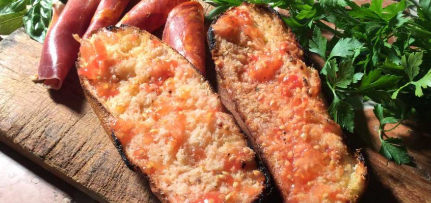 Pa amb tomàquet: Katalansk toast med olje og tomat