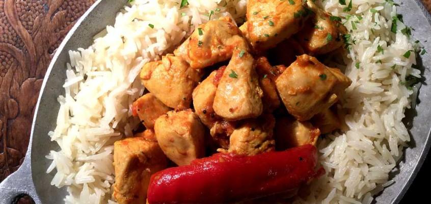 Hing chicken: Bengalsk kyllingcurry med dyvelsdrek