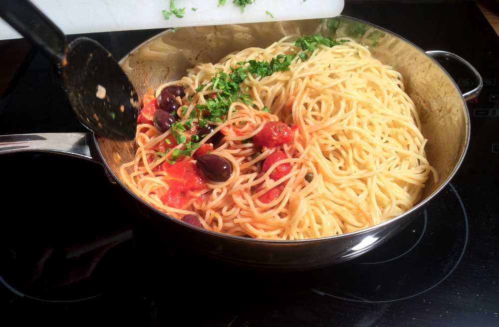 2015-11-27_spaghetti_puttanesca_vm_033