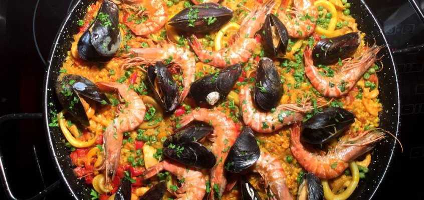 Paella mixta: Spansk festmåltid
